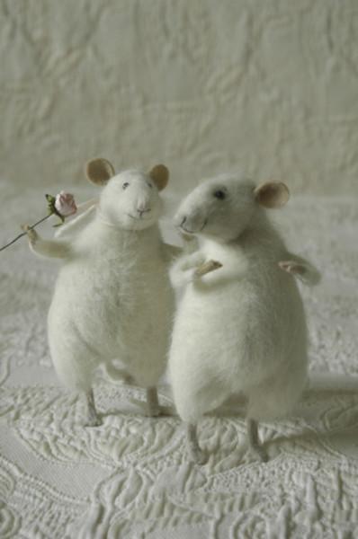 35172714_98_mice_white2