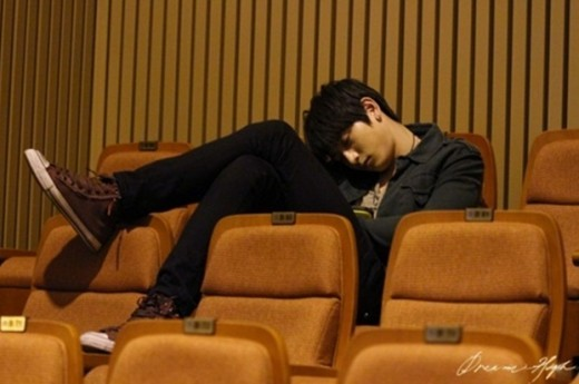 20120314_Jinwoon_legs