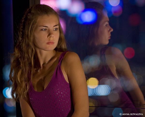 Автопортрет на фоне ночного города