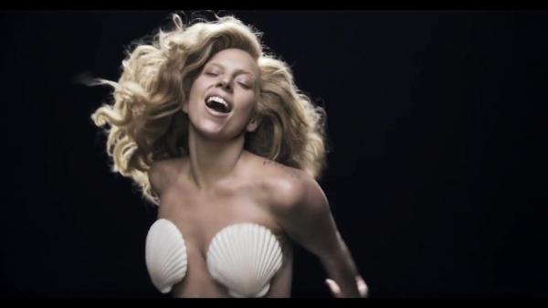 normal_Lady_Gaga_-_Applause_2327