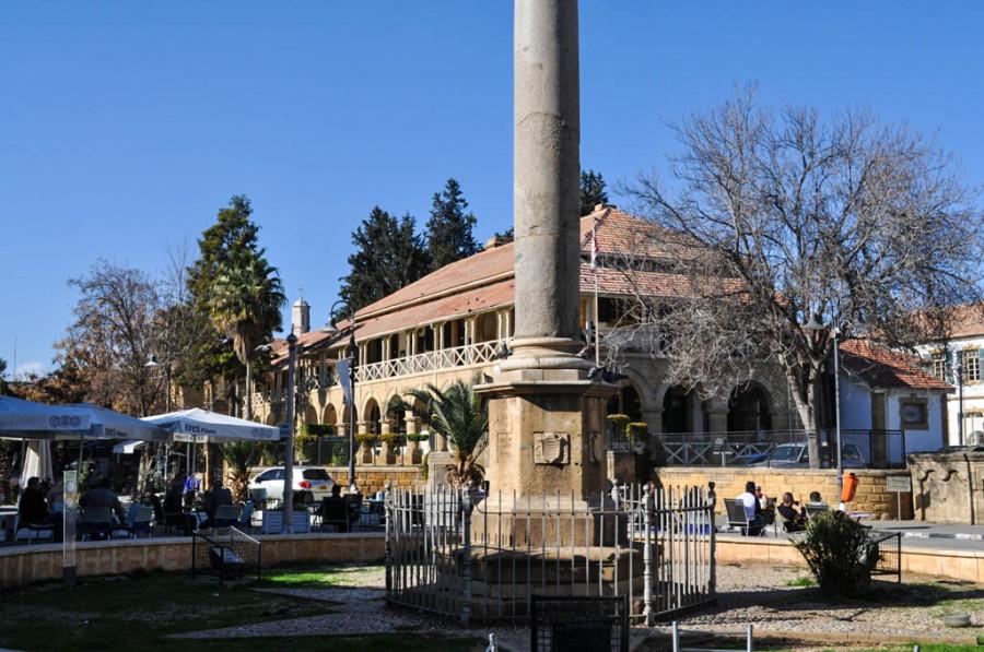Площадь Ататюрка, Венецианская колонна