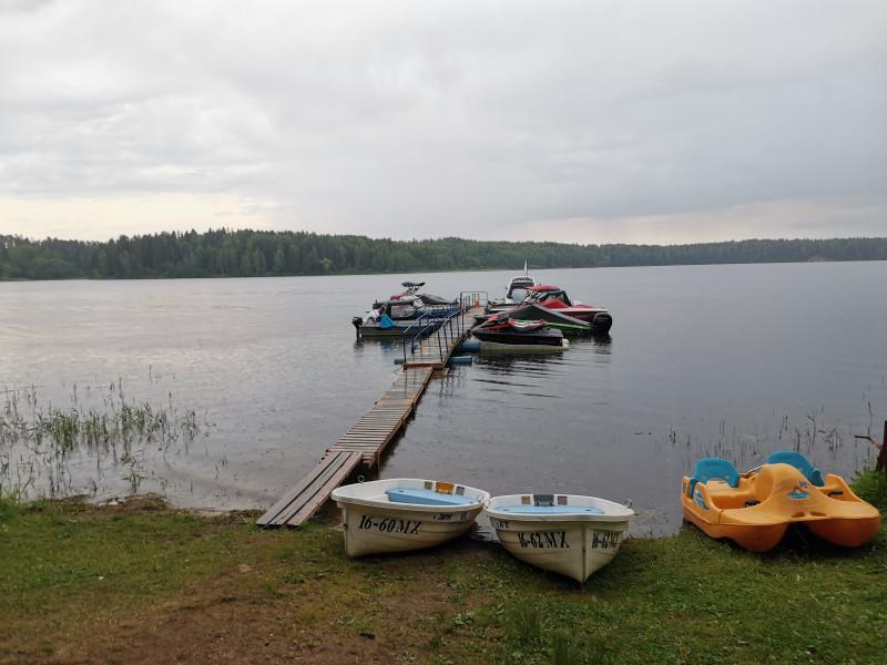 Причал для лодок и прокат плавательных средств