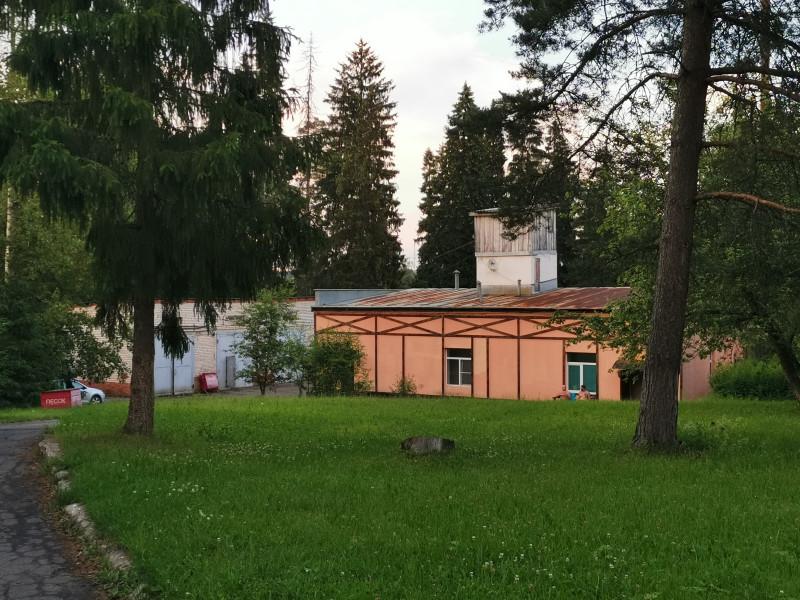 В самой отдаленной части хамам, русская баня, сауна. Сауна 1100р/час