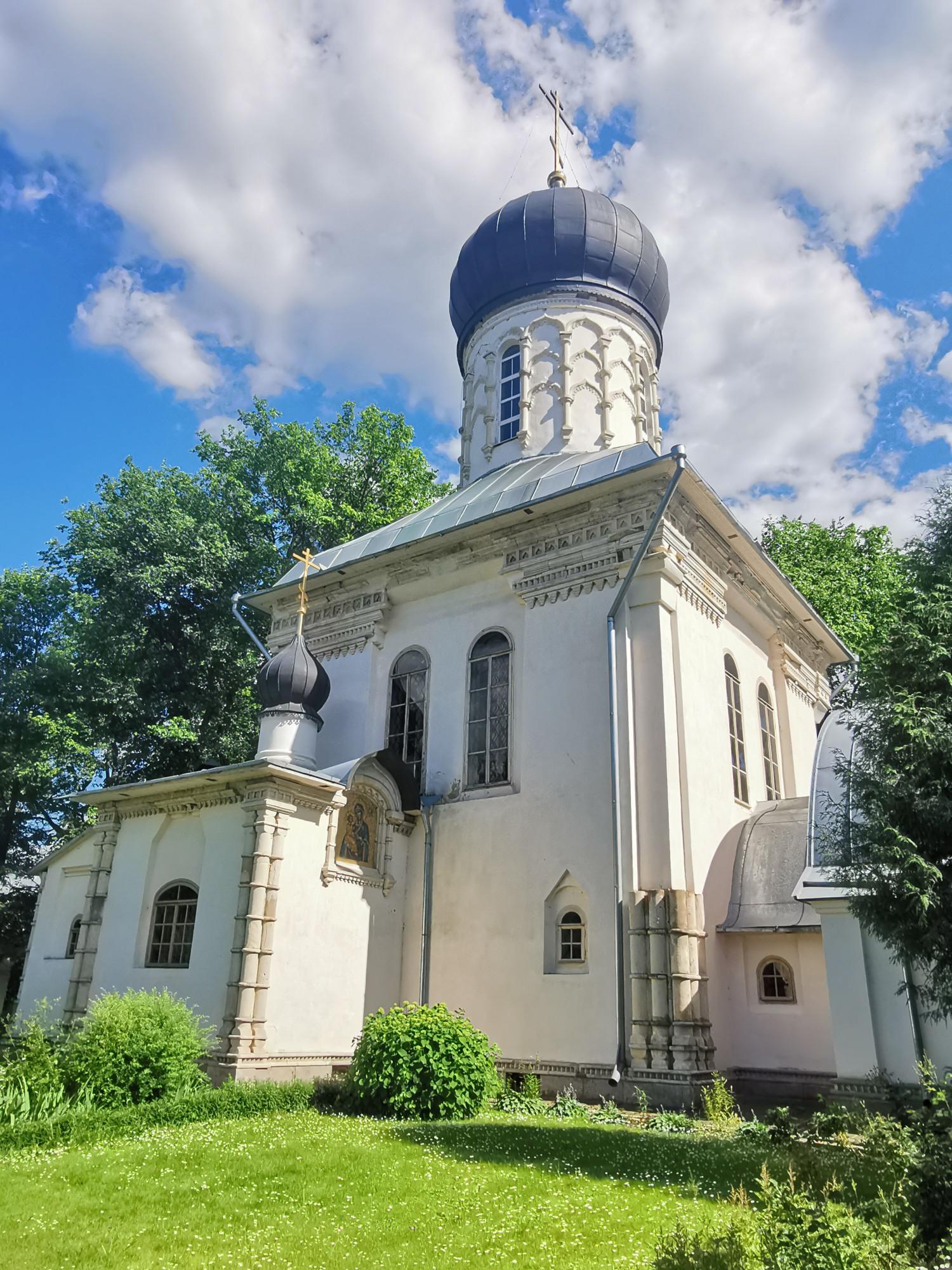 Храм Великомученика Пантелеимона Целителя