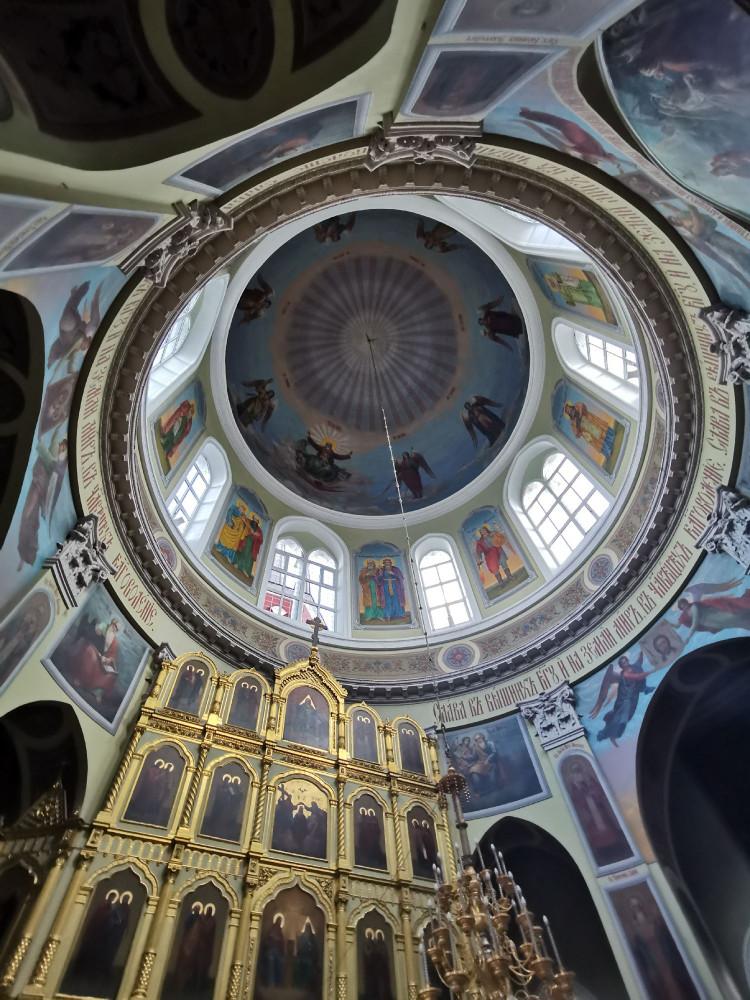 Вид на купол храма изнутри.
