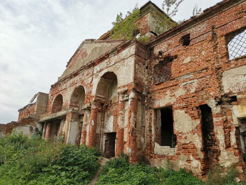 Руины храма Никиты Великомученика