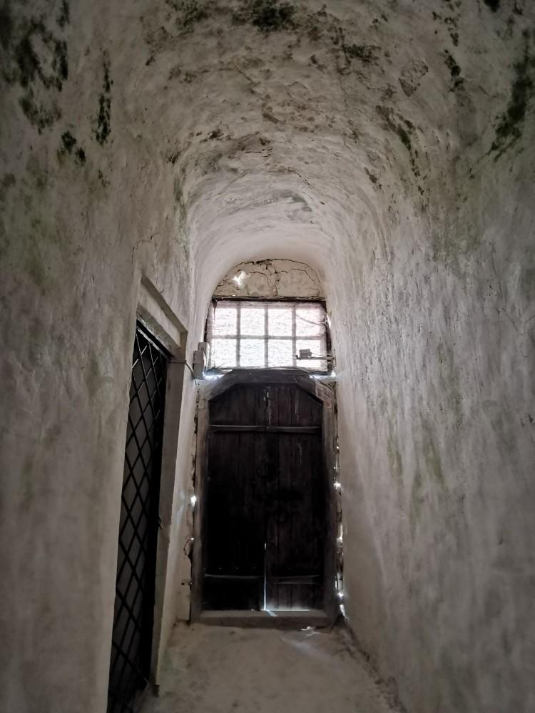 Вход в храм Сицилийской Божией Матери Дивногорье