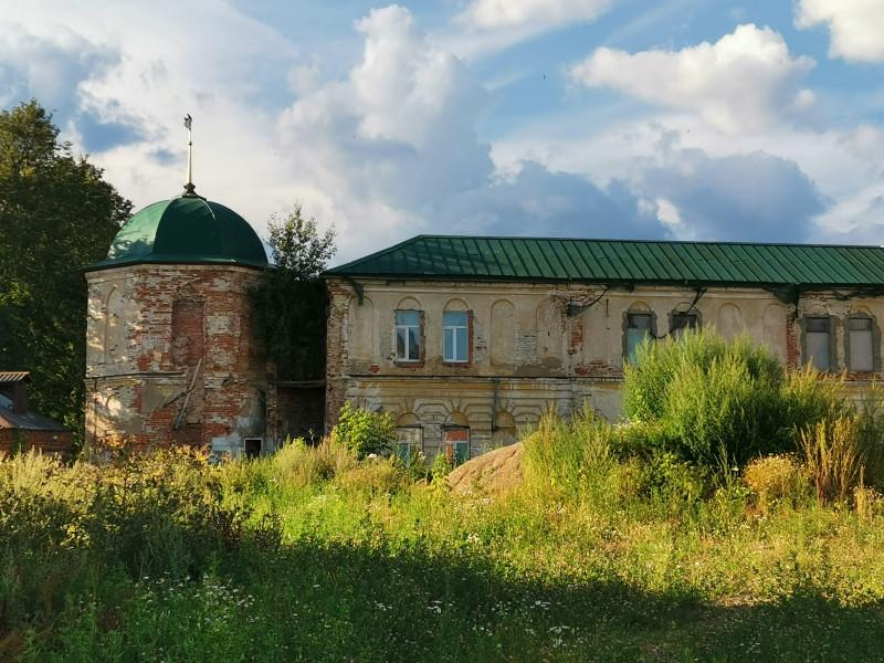 """""""Старое"""" здание семинарии Вифанского монастыря"""