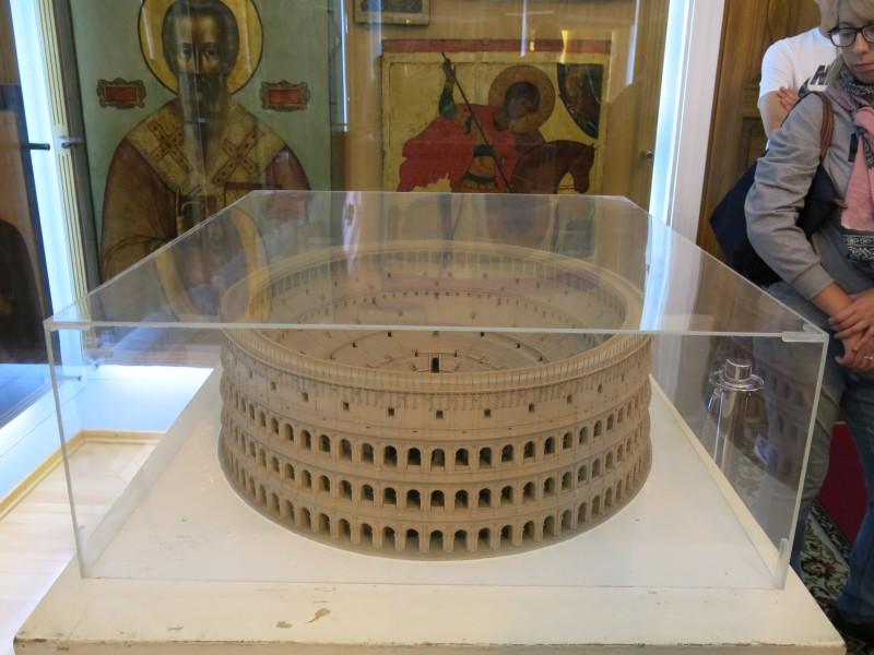 Макет Колизея