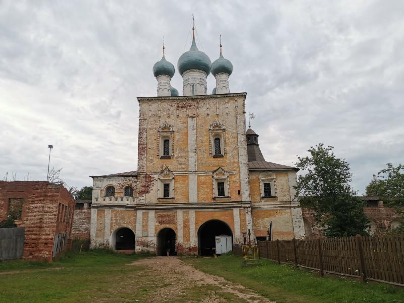 Сретенская надвратная церковь