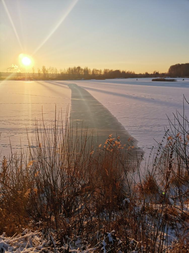 Лед на озере Торфянка. Лосиный остров