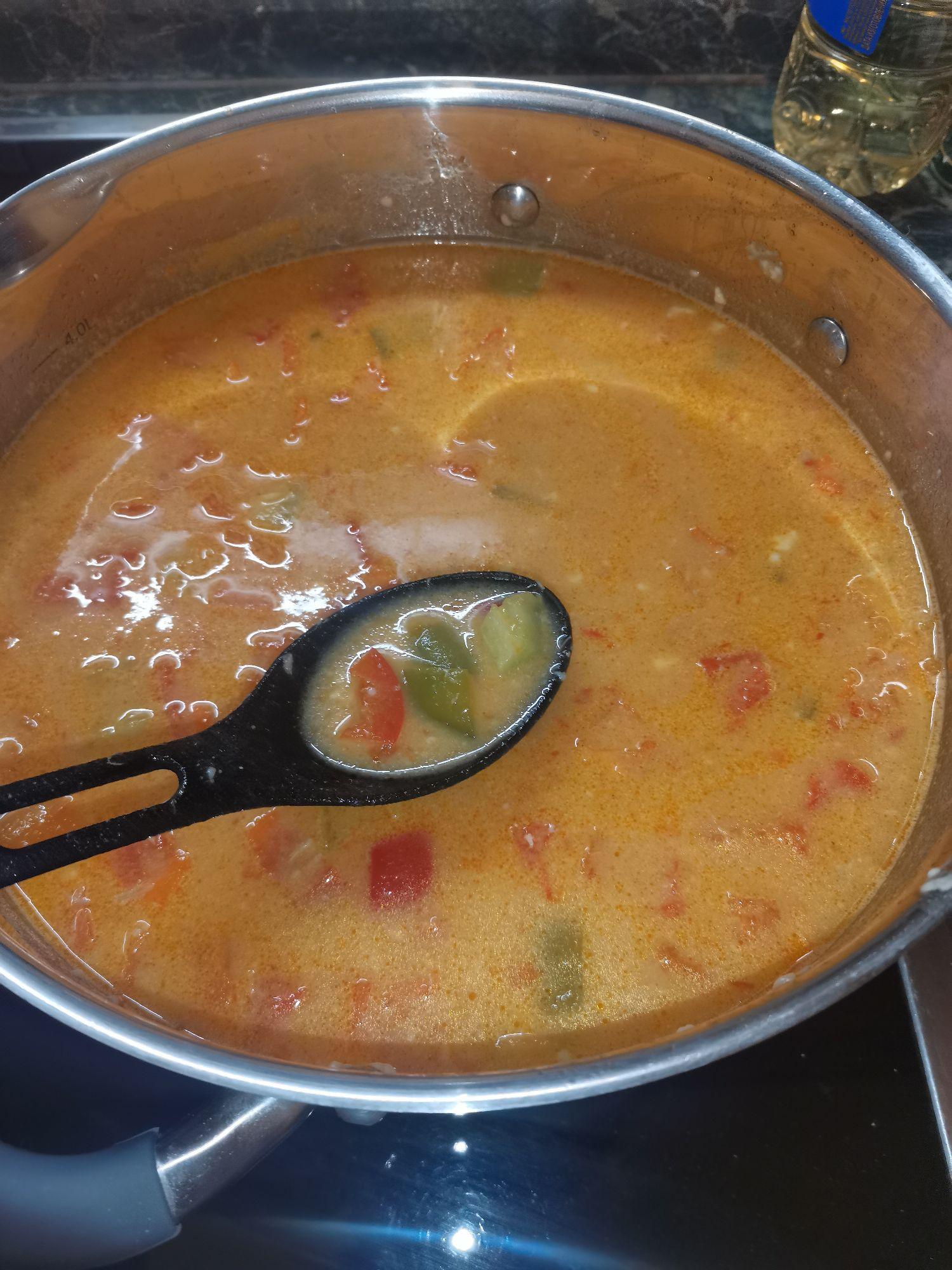 Суп перед закладукой морепродуктов и сметаны