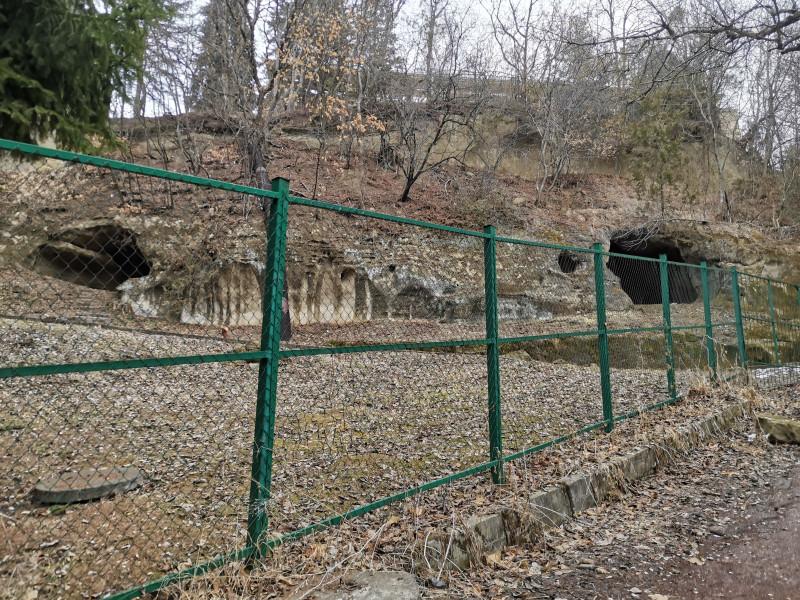 Гроты около лестницы Леонидова