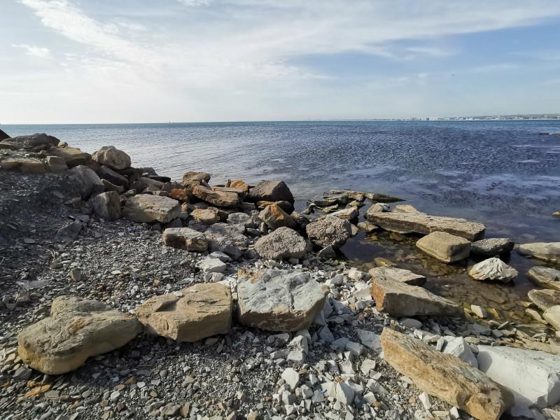 Дикий пляж рядом с Высоким Берегом Анапа