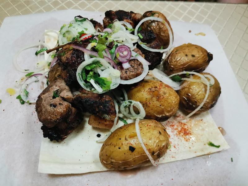 """Баранина мякоть и картошка с салом на гриле  """"У Мангала"""" Анапа"""