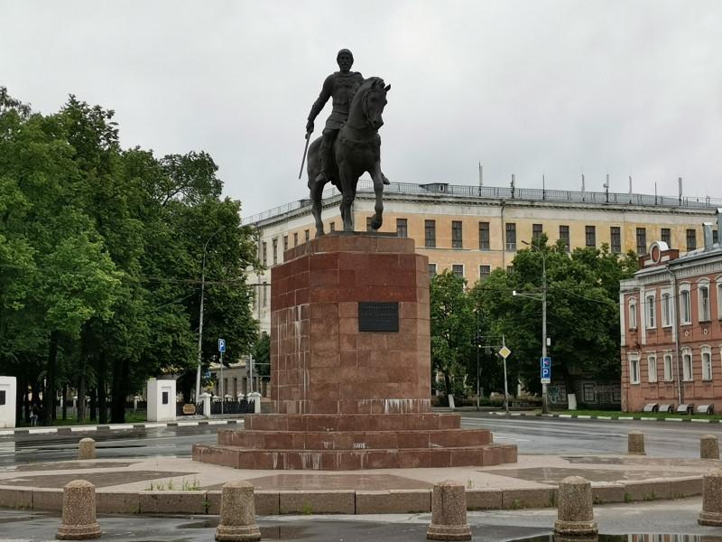 Памятник Олегу Рязанскому Рязань