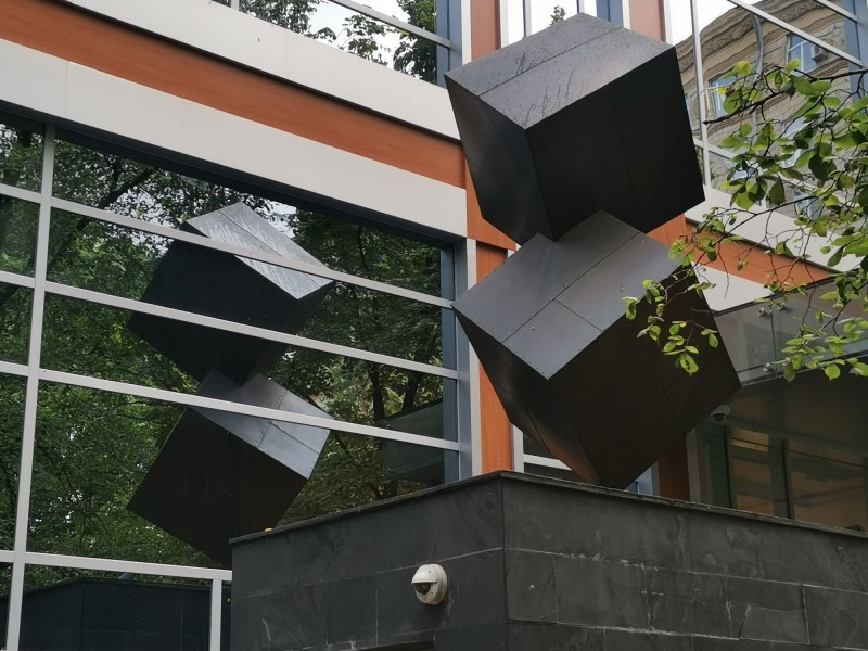 Инсталляция на здании ул.1812 года д.2 корп 2
