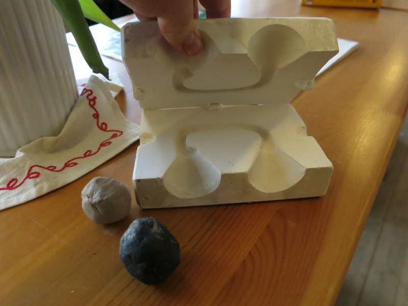 Форма для ручки чашки и разные виды глины