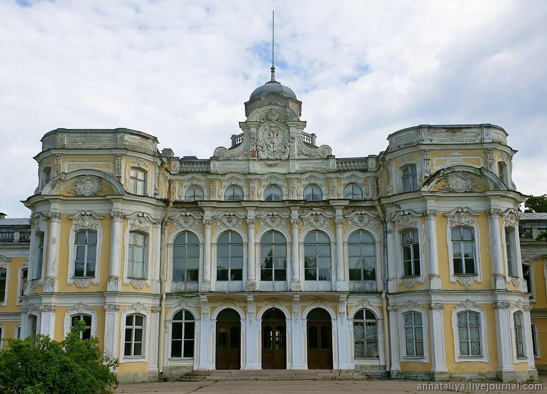 """Где занимались """"этим самым"""" Елизавета Петровна и граф Разумовский"""