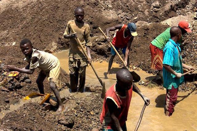 Дети в Конго добывают кобальт для TESLA, APPLE и пр.
