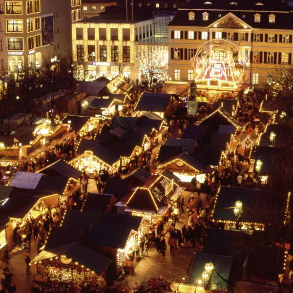 Diorama weihnachtsmarkt wedding