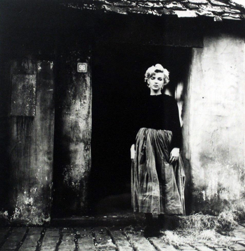 Фото деревенской простой девушки 24 фотография