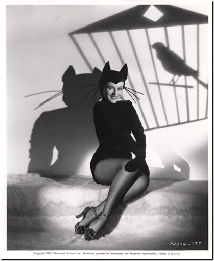 Classic Hollywood actress Paulette Goddard, vintage Halloween pin-up girl photo[4]