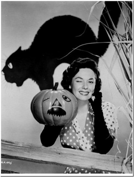 Classic Hollywood actress Ruth Roman, vintage Halloween pin-up girl photo[4]