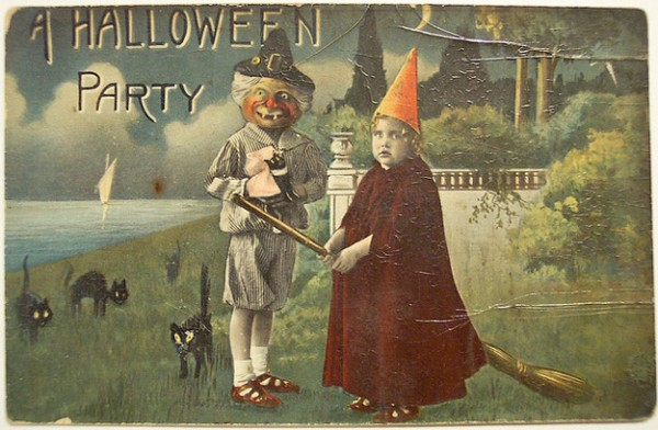 Bizarre Vintage Halloween Postcards (9)