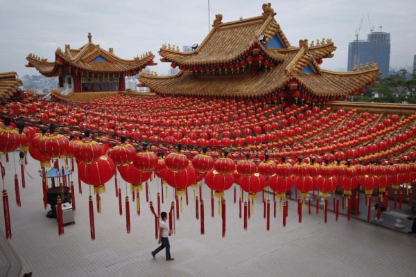 AP_Malaysia-Chinese-New-Year_9jan13-975x650
