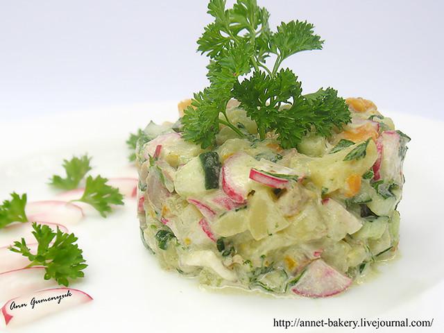 рецепт салат из копченой салаки в