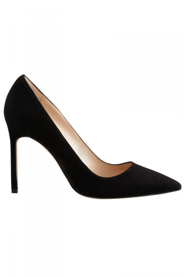 hbz-classic-shoes-to-own-02-pumps-manolo-barneys-lg