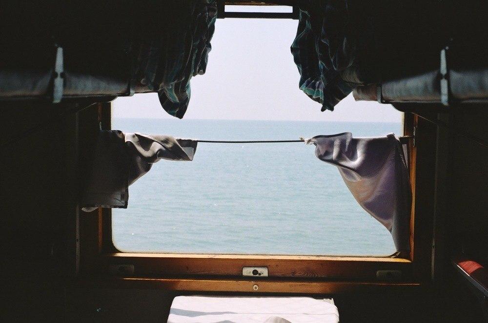 Смешная картинка поезд на море, открытки