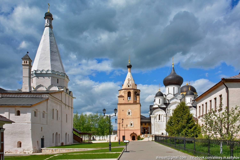 Успенский монастырь старица фото