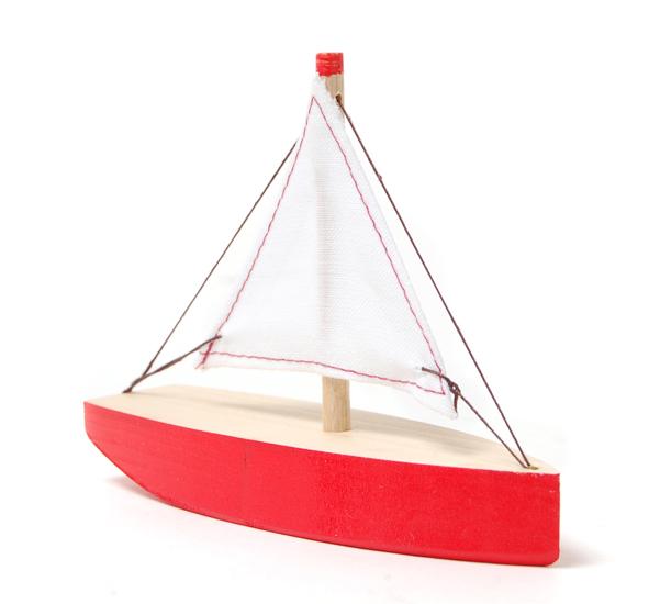сделать игрушечной лодку самому