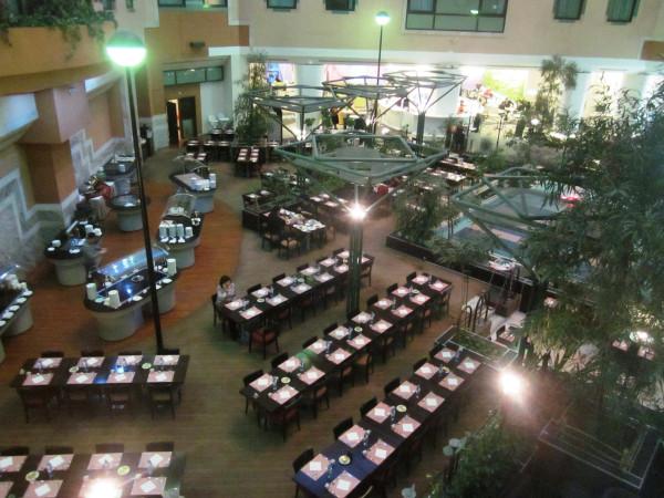 вид на ресторан из номера