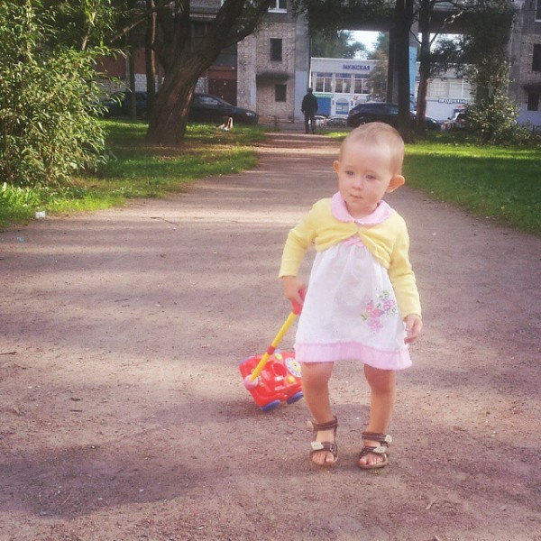 Соня гуляет