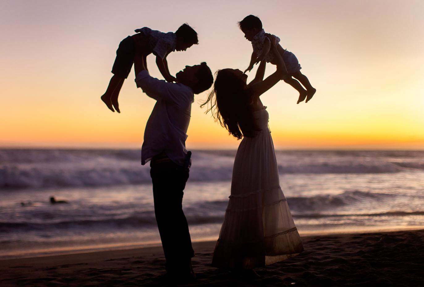 окружении красивые фото семьи с детьми со спины позволяйте