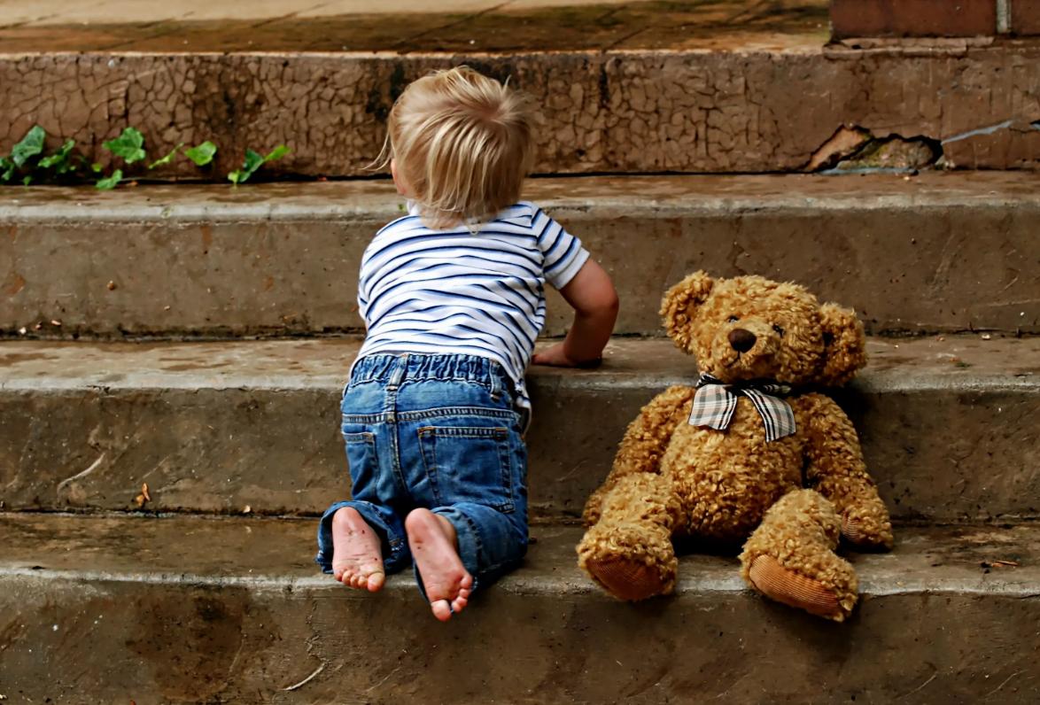 Сын отсудил ребенка и отдал его своей матери