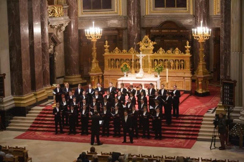 Хор Сретенского монастыря в Берлинском соборе