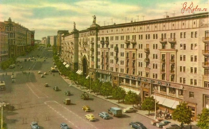 Москва ул. Горького на которой жили Михалковы-Кончаловские