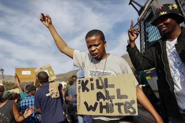 Черный расизм плавно перешел в откровенный сатанизм. Дикая молитва черных душ