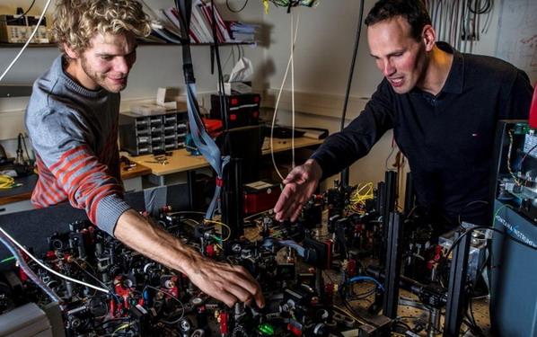2015 год. Технологический университет Делфта (Нидерланды). Настройка аппаратуры для эксперимента Белла.