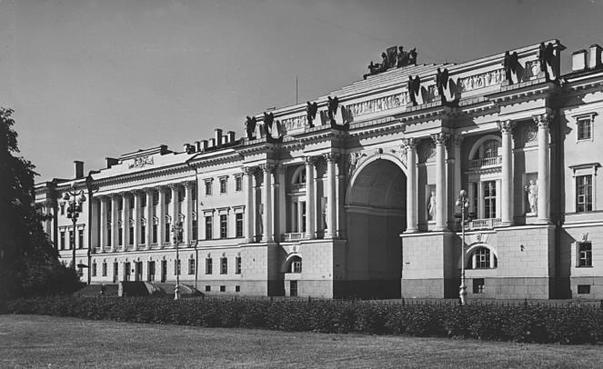 Здание Св. Синода в Петрограде