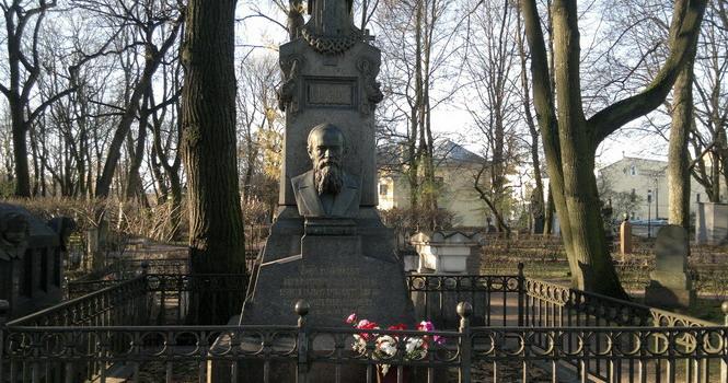 Могила Достоевского