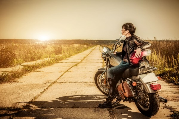 nastroeniya-devushka-motocikl.jpg