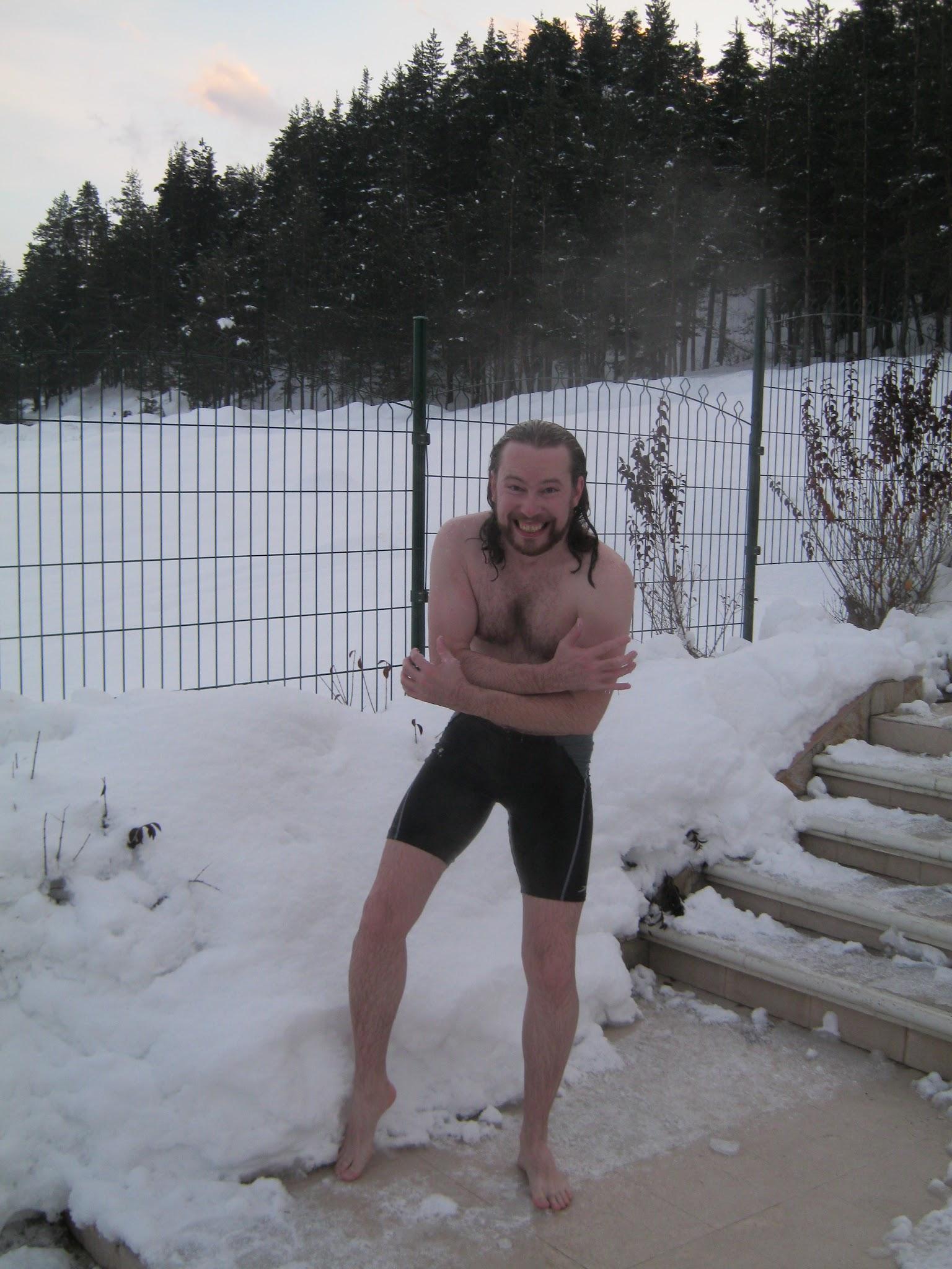 На снегу