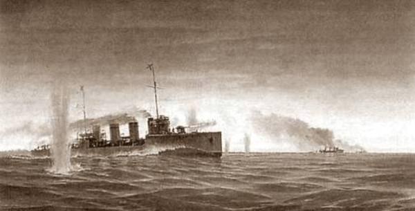 эскадренный миноносец «Новик»,в бою.