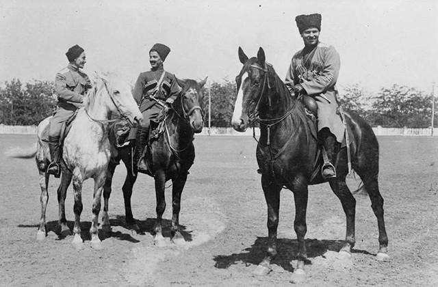 Казачья кавалерия с Кавказа.