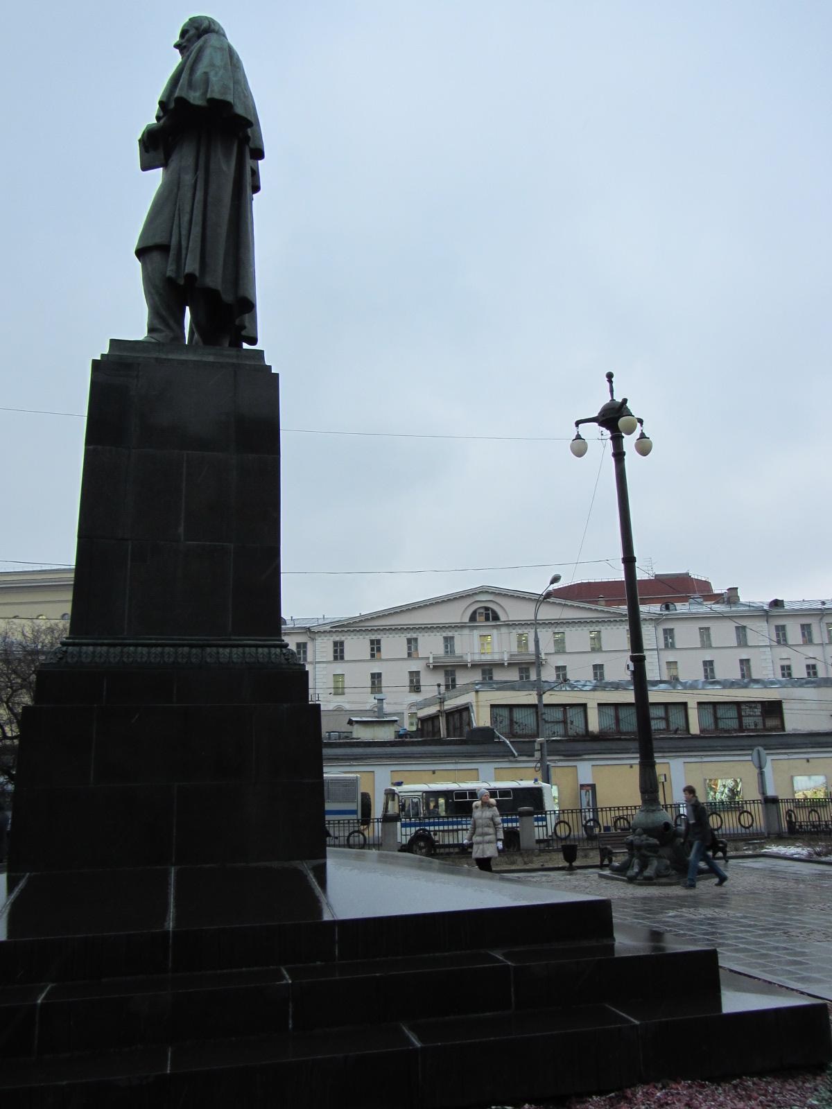 и Гоголя тоже арестовать могли - он же украинец